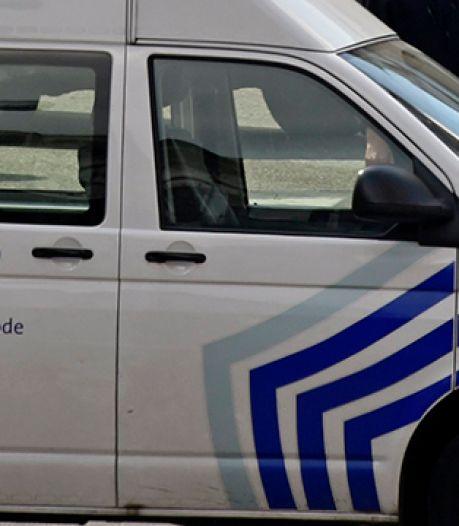 Une voiture a embouti une terrasse à Schaerbeek