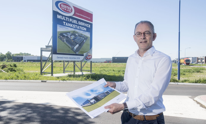 Jan Pieter de Wilde vertelt over het nieuwe tankstation.
