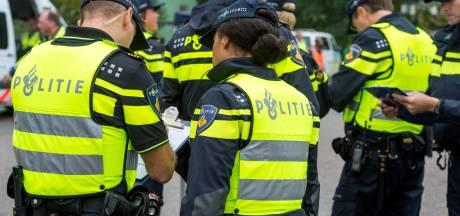 Politie moet groepen uit elkaar halen bij vechtpartij rond sportvelden GVVV in Veenendaal