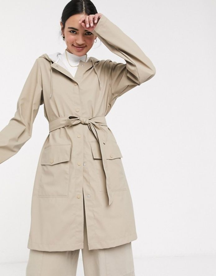 Veste trench imperméable beige - 123,99 euros.