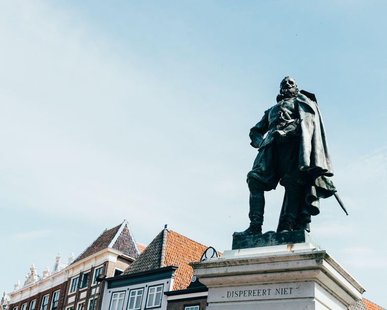 Een standbeeld van Jan Pieterszoon Coen.  Beeld Rebecca Fertinel