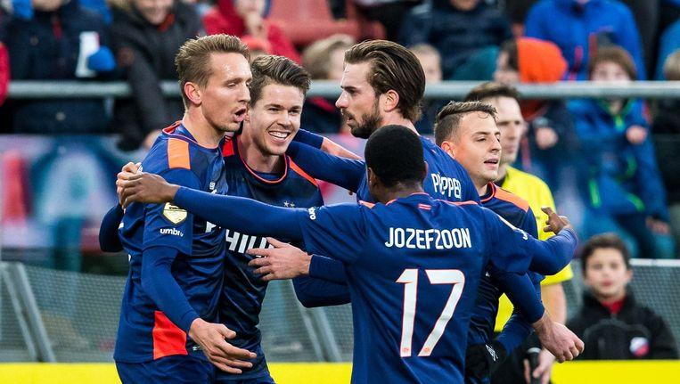 PSV spelers Luuk de Jong, Marco van Ginkel, Davy Propper, Florian Jozefzoon vieren de 0-2. Beeld anp
