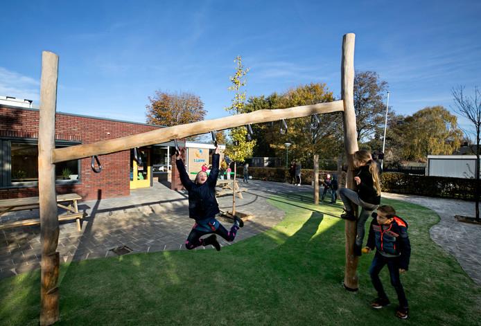 De nieuwe speelplaats van basisschool 't Lange in Gastel.