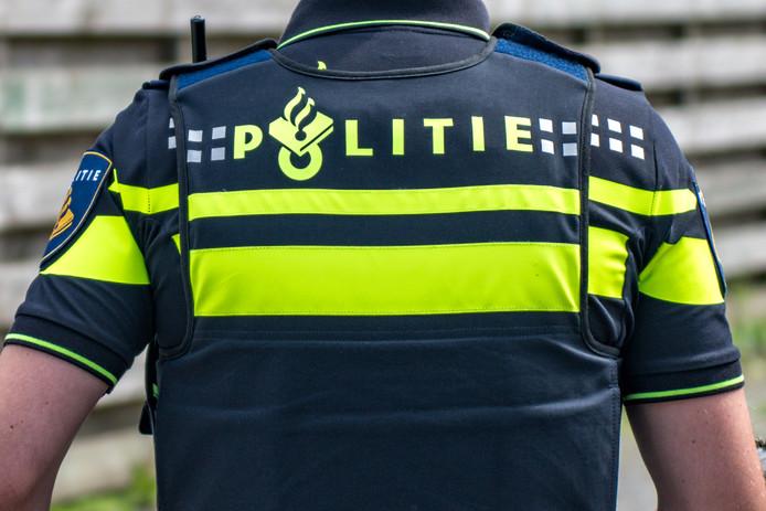 Het aantal wijkagenten zal - landelijk, dus ook in Moerdijk - de komende jaren teruglopen, vreest burgemeester Jac Klijs van de gemeente Moerdijk.