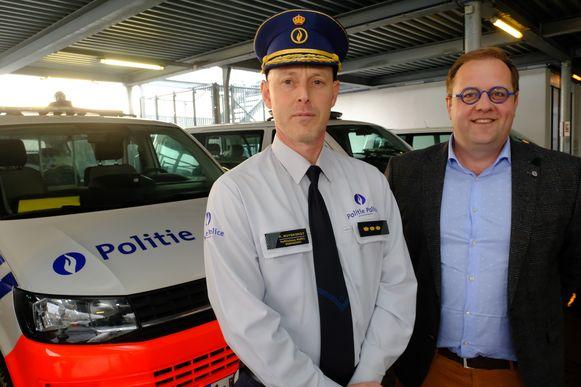Korpschef Peter Muyshondt en Tom De Vries (Open Vld), voorzitter van het politiecollege.