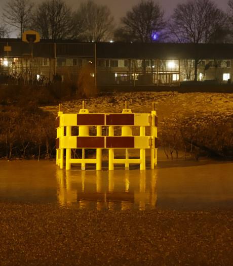 Gesprongen waterleiding in Cuijk weer hersteld