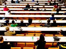 Protest tegen online onderwijs: 'Een college in Carré kan prima'