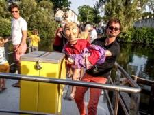 De Ferry begint aan het geheen en weer: 'Grappig, een nieuwe attractie voor de Piushaven'