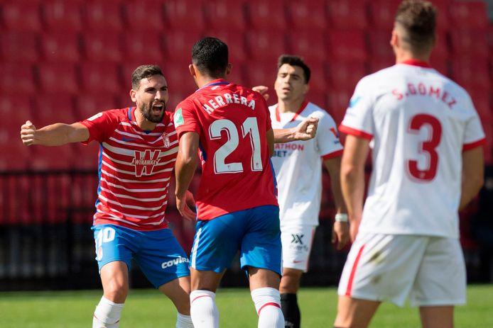 Vreugde bij de spelers van Granada na de 1-0.