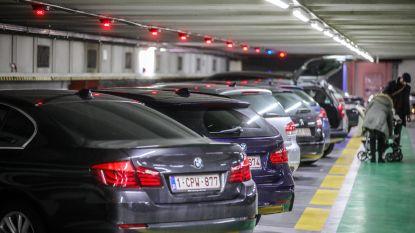 """Nergens anders in Vlaanderen parkeer je zo lang gratis ondergronds: """"Zo steunen we winkeliers en horeca-uitbaters"""""""