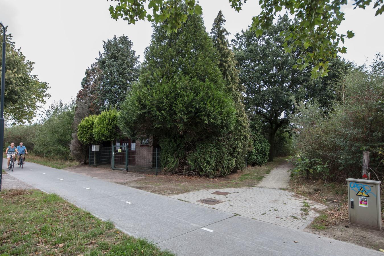 Het diepvrieshuisje aan de Ganzestraat in Hapert mag onteigend worden, vindt de Bladelse politiek.