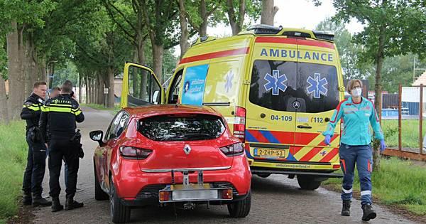 Fietsster naar ziekenhuis na aanrijding in Sint Jansklooster.