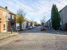Vier gewonden bij vechtpartij met stokken en buizen in Ter Borghstraat in Geldrop
