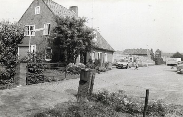 De kassen van kwekerij Hartogsveld aan de Hogeweg, gesloopt in het voorjaar van 2014, de woning een jaar later.