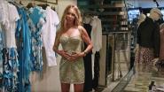 PREVIEW. Sylvie laat haar oog vallen op een peperdure jurk in 'Monacovrouwen'
