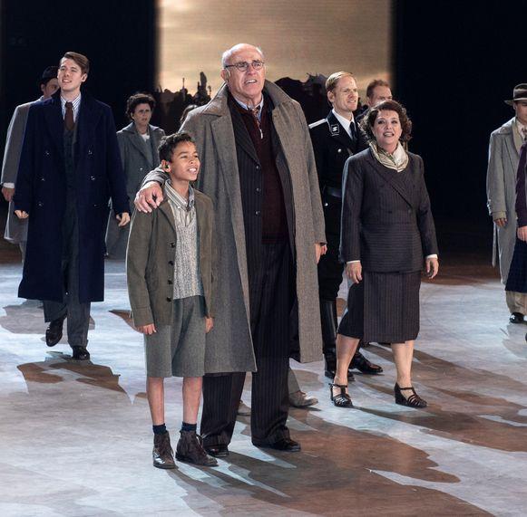 Als verzetsleider Leon in '40-45', samen met de jonge Junes Callaert.