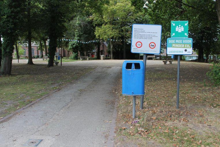 Het Warandepark in het centrum van Liedekerke. Door extra politiecontroles is er heel wat minder overlast.