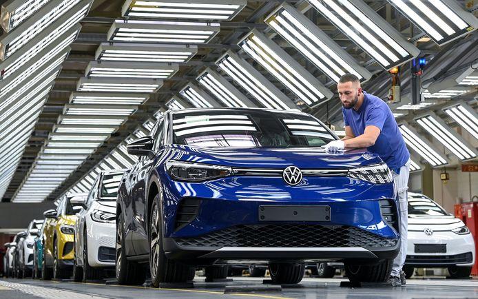 Een nieuw model Volkswagen in een fabriek van het automerk in Duitsland.