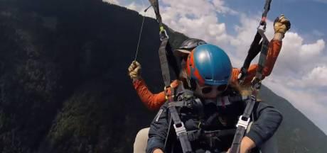 Elke (13) verliest haar telefoon op 2500 meter hoogte, vindt hem terug vlakbij haar caravan