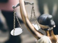Rechter spreekt Axelaar vrij van het laten plegen van ontucht