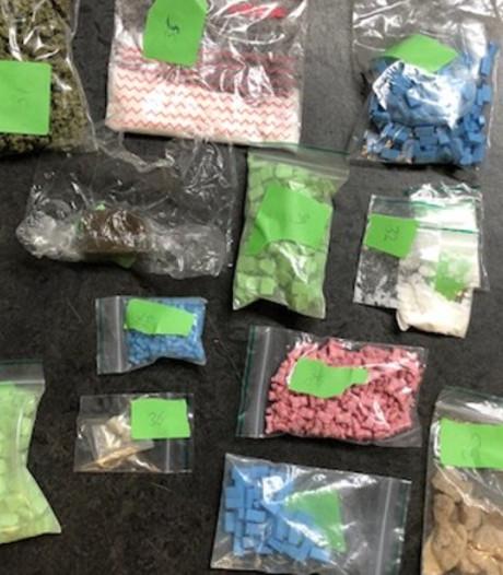 Politie treft 'drugsapotheek' aan in Bredase woning