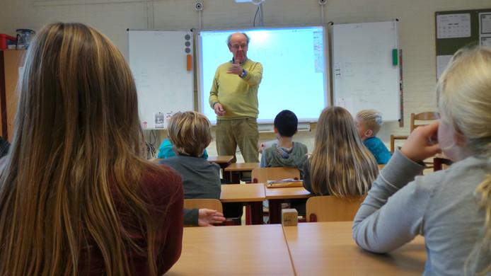 Wethouder Jaap Andriesse geeft gastlessen aan basisscholen in kader van Week van Respect.