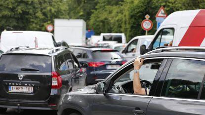 Een op de drie bestuurders neemt auto naar werk voor minder dan tien kilometer