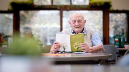 90 jaar en nu zijn eerste dichtbundel
