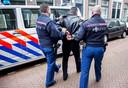 Buurtpreventie-appgroepen zijn een welkome hulp voor politie en justitie. Maar er kleven ook risico's aan de virtuele 'opsporingsdienst': eigenrichting en etnisch profileren liggen op de loer.