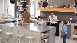 Tips van mama's voor mama's: delegeer je huishoudelijke klusjes