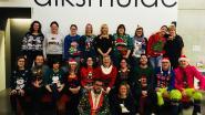 Stadspersoneel showt 'lelijke kersttruien'