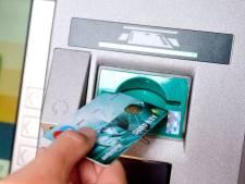 Steeds minder pinautomaten in Delftse binnenstad