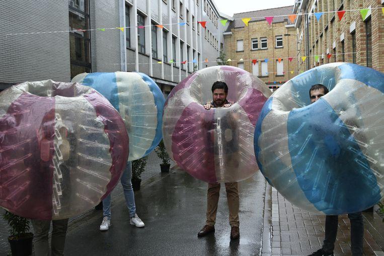 Enkele leerkrachten en opvoeders hadden zelfs hun eigen bubbel.