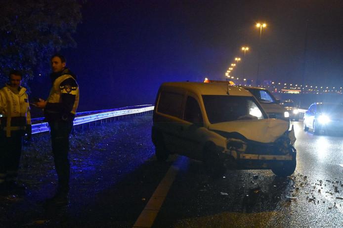 Ongeluk op A27 bij Nieuwendijk