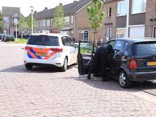 Automobilist doorgereden na botsing met fietser in Helmond