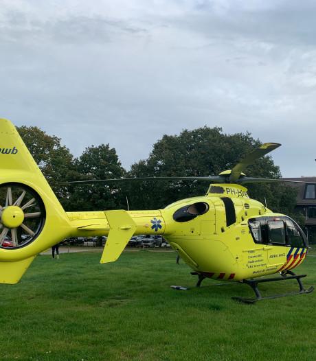 Traumahelikopter opgeroepen voor gewonde fietser na valpartij in bos bij Apeldoorn