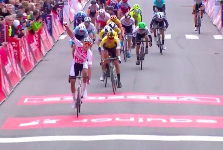 Van der Poel haalde het ruim voor Van Poppel en Pasqualon.