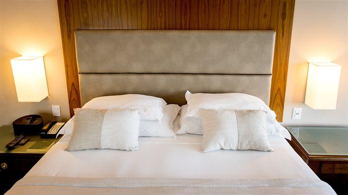 Leeg bed. Foto ter illustratie.