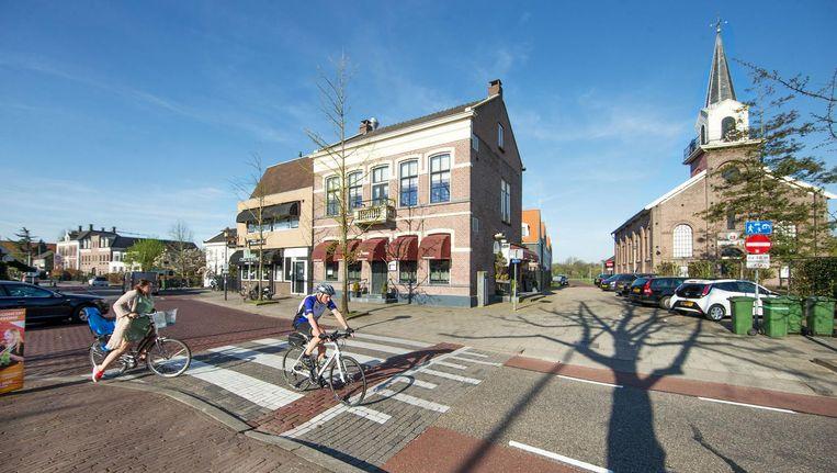 Het oude Raadhuis met pastorie op de achtergrond in het centrum van Landsmeer Beeld Jean-Pierre Jans