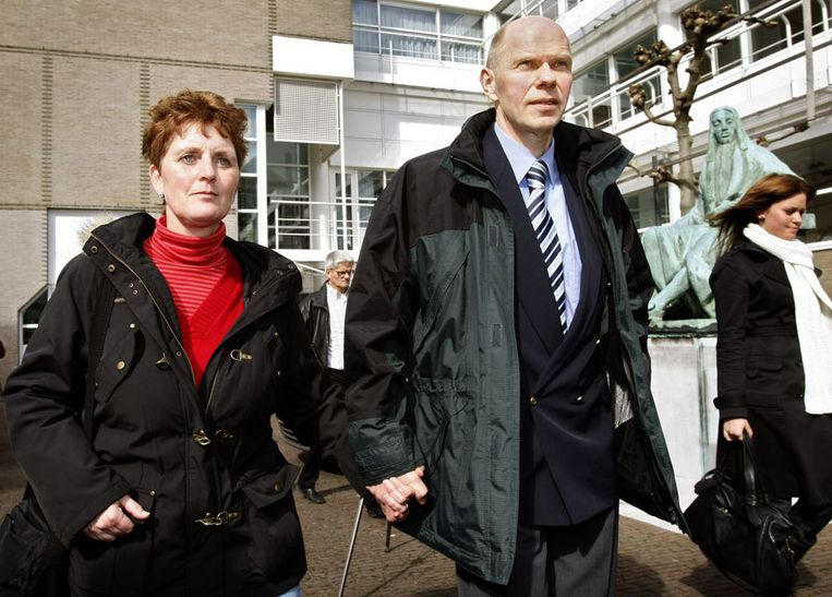 Ernst Louwes met zijn echtgenote. Foto ANP/Marcel Antonisse Beeld