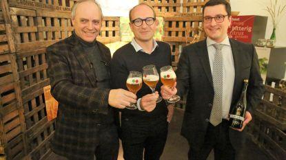 Lambiekbrouwers laten eerste fles Megablend 2019 knallen: Twaalfde editie van Toer de Geuze vindt plaats op 4 en 5 mei