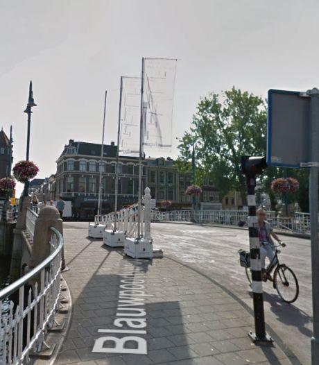 Leidse bruggen extra gekoeld vanwege tropische temperaturen
