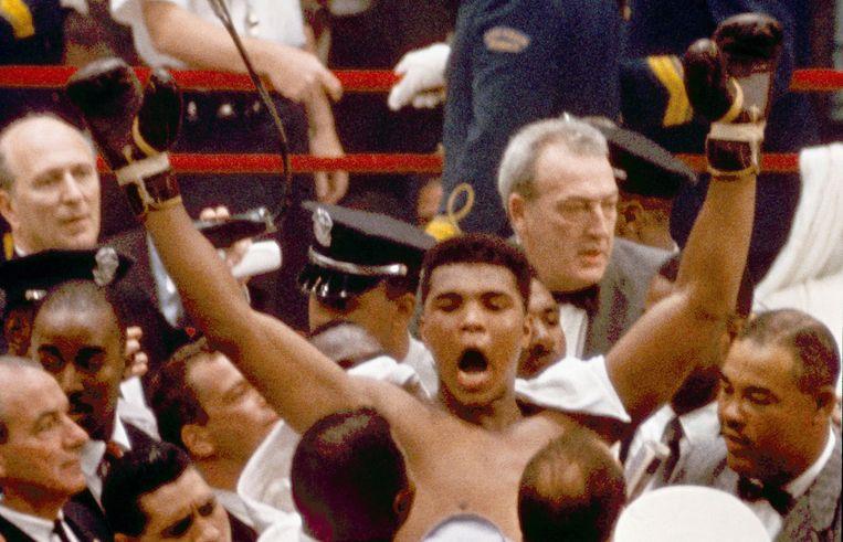 Cassius Clay wordt wereldkampioen. Beeld ap