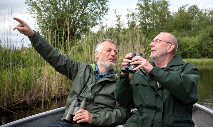 Nico de Haan (links)  is vooral bekend van de humoristische televisieserie Baardmannetjes, waarin hij met cabaretier Hans Dorrestijn in natuurgebieden naar vogels speurt.