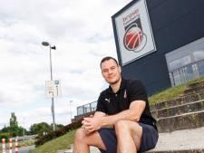 Johan Roijakkers aan de slag bij Duitse topclub Brose Bamberg: 'Zo'n kans krijg je misschien nooit meer'