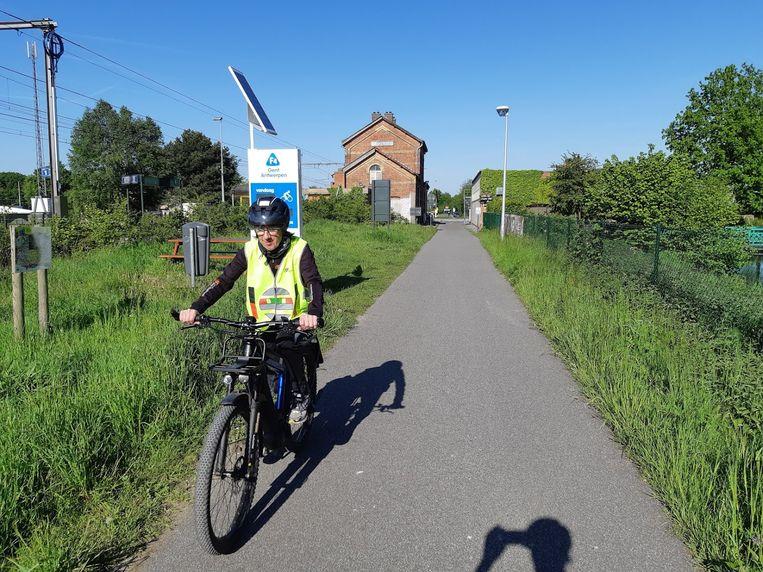 Riet Gillis verplaatst zich een hele week lang met een speed pedelec om de fietsinfrastructuur in de provincie uit te testen.