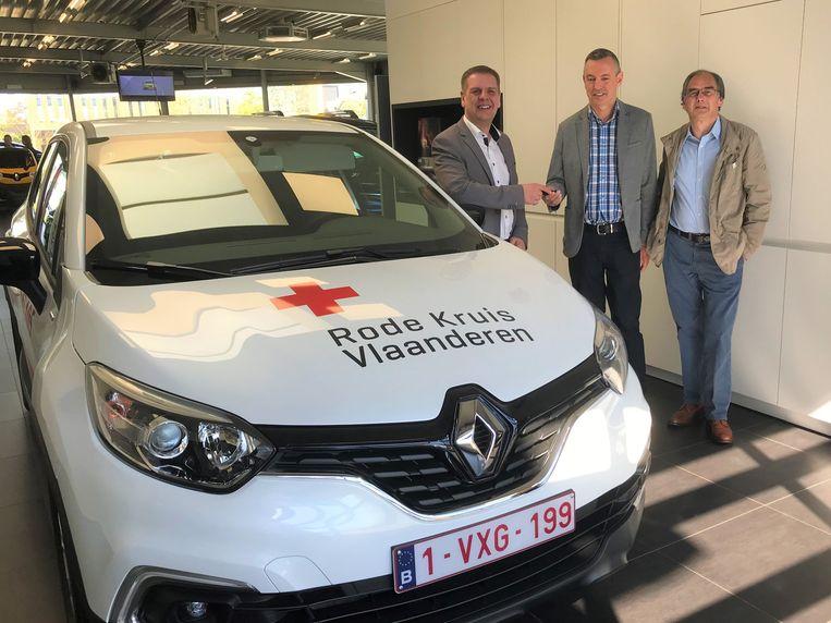 De nieuwe wagen van het Rode Kruis Limburg werd afgelopen week geleverd.