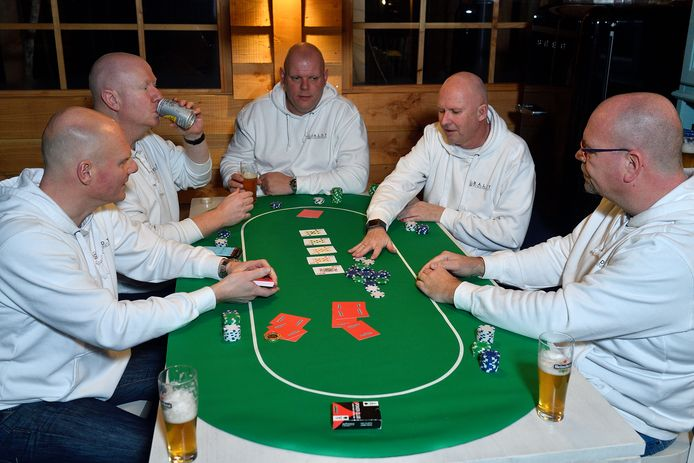 De Baldy Pokerkings: Mark van Wijk, Patrick van Duivenboden, Edwin Veenendaal, Ronald Marcus en Jaco van Maanen (van links naar rechts).