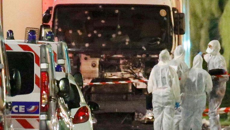 De vrachtwagen die donderdagavond op een mensenmenigte inreed. Beeld Reuters