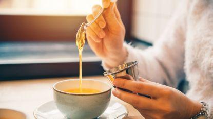 Is honing gezonder dan suiker en helpt hij ook echt tegen keelpijn? Alle feiten en fabels over honing op een rij